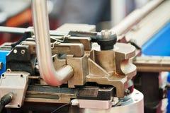 Recourbement de tube Machine industrielle d'?quipement de cintreuse pour le recourbement de tuyau en m?tal photographie stock libre de droits