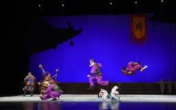 """Recourez à la violence -  de teenager†de Pékin Opera""""Yue des enfants Images stock"""