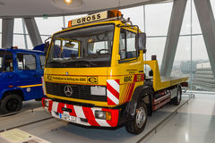 Recovery truck Mercedes-Benz 814, 1992 Stock Photography