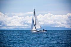 Recreatief Jacht bij Adriatische Overzees royalty-vrije stock foto's