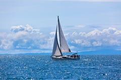 Recreatief Jacht bij Adriatische Overzees royalty-vrije stock afbeeldingen