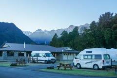 Recreatief Voertuigpark voor batterijherladen bij hotel in Tekapo Nieuw Zeeland royalty-vrije stock foto
