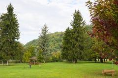 Recreatiegebied bij meer Levico Termen, Italië stock afbeeldingen