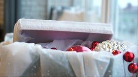 Rectángulo con las decoraciones de la Navidad almacen de metraje de vídeo