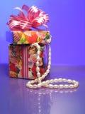Rectángulo con las perlas en violeta Imagen de archivo libre de regalías