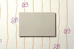 Rectángulo de la cartulina en el papel pintado 01 Imagenes de archivo