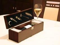 Rectángulo de los accesorios del vino imagen de archivo