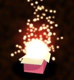 Rectángulo de regalo abierto con las luces. Foto de archivo libre de regalías