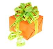 Rectángulo de regalo anaranjado fotografía de archivo libre de regalías