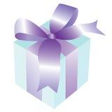 Rectángulo de regalo con la cinta y el arqueamiento Fotografía de archivo libre de regalías