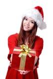Rectángulo de regalo de la explotación agrícola de la sonrisa de la muchacha de la Navidad Imagen de archivo libre de regalías