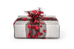 Rectángulo de regalo de la Navidad aislado en blanco Fotos de archivo