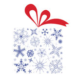 Rectángulo de regalo de la Navidad con los copos de nieve Imagen de archivo libre de regalías