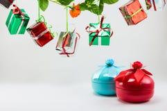 Rectángulo de regalo de la Navidad en el fondo blanco Imágenes de archivo libres de regalías