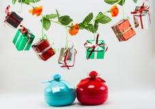 Rectángulo de regalo de la Navidad en el fondo blanco Imagen de archivo libre de regalías