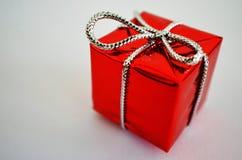 Rectángulo de regalo en el fondo blanco imagen de archivo libre de regalías