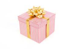 Rectángulo de regalo rayado rosado Imágenes de archivo libres de regalías