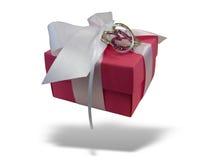 Rectángulo de regalo rojo aislado sobre blanco Fotografía de archivo libre de regalías
