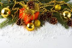 Rectángulo de regalo rojo de la Navidad foto de archivo