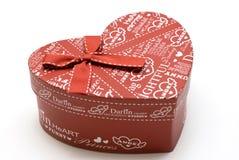 Rectángulo de regalo rojo hecho a mano hermoso del corazón Foto de archivo libre de regalías