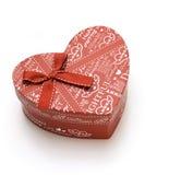 Rectángulo de regalo rojo hermoso hecho a mano del corazón Fotografía de archivo libre de regalías