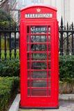 Rectángulo rojo del teléfono de Londres Imagen de archivo