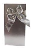Rectángulo y arqueamiento de plata de regalo Imagen de archivo