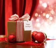 Rectángulo y ornamentos de regalo de la Navidad Fotos de archivo libres de regalías