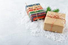 Rectángulos con los regalos de la Navidad Fotos de archivo libres de regalías