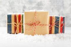 Rectángulos con los regalos de la Navidad Foto de archivo