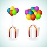 Rectángulos de regalo con los globos Imagen de archivo