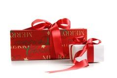 Rectángulos de regalo de la Navidad aislados en blanco Foto de archivo libre de regalías