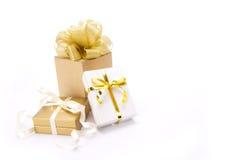Rectángulos de regalo del oro Foto de archivo libre de regalías