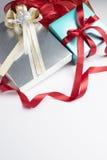 Rectángulos de regalo en el fondo blanco Fotografía de archivo