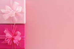 Rectángulos de regalo rosados Imagenes de archivo
