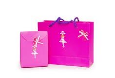 Rectángulos de regalo rosados en el fondo blanco. Imágenes de archivo libres de regalías