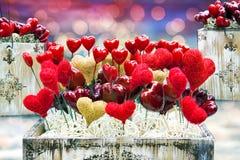 Rectángulos viejos de la tarjeta del día de San Valentín con los corazones y las luces Imagen de archivo libre de regalías