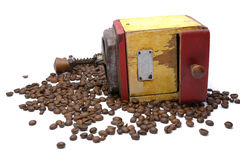 Rectifieuse de café de cru avec des grains de café photos libres de droits
