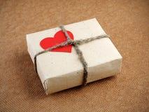 Rectángulo de regalo del día de tarjetas del día de San Valentín Imagenes de archivo