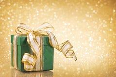 Rectángulo de regalo verde de la Navidad Imágenes de archivo libres de regalías