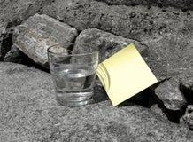 Recuerde: Nota de post-it Imagen de archivo libre de regalías