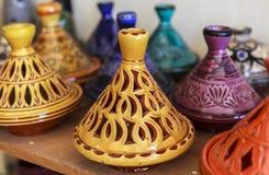 Recuerdos de cerámica de Fes, Marruecos Imágenes de archivo libres de regalías