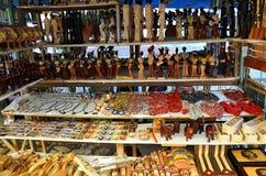 Recuerdos de Cuba en el mercado local Imagen de archivo libre de regalías