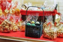 Recuerdos de la comida en el mercado de la Navidad de Vilna Fotos de archivo libres de regalías