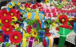 Recuerdos de la flor artificial en Ucrania Foto de archivo