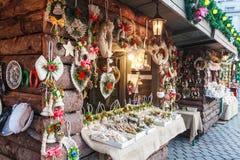 Recuerdos del mercado de la Navidad en Bucarest fotos de archivo