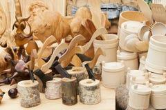 Recuerdos hechos de la madera fotografía de archivo libre de regalías