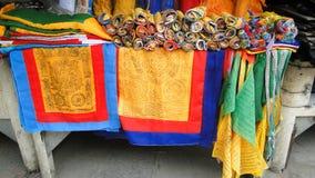 Recuerdos joyería y artesanía en el mercado de pulgas Foto de archivo