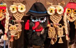 Recuerdos paganos tradicionales hechos a mano rumanos de las máscaras Fotos de archivo libres de regalías