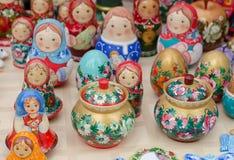 Recuerdos tradicionales rusos de Matryoshka Fotografía de archivo